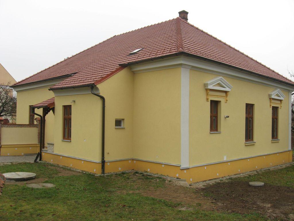 Fara Domanín - realizace v roce 2010
