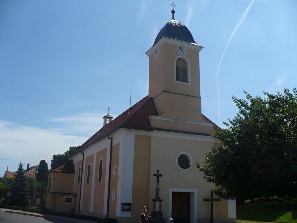 Kostel Domanín  - realizace v roce 1999