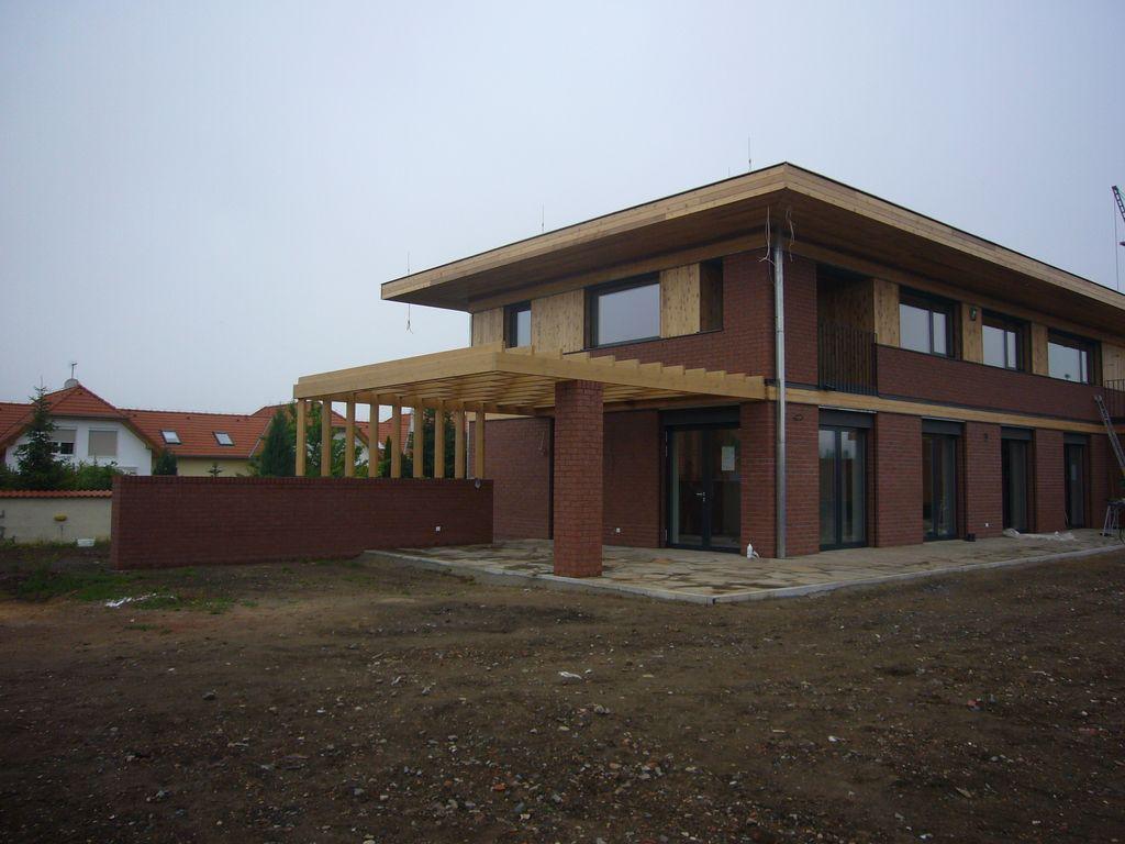 Rodinný dům Dolní Chabry - realizace v roce 2011