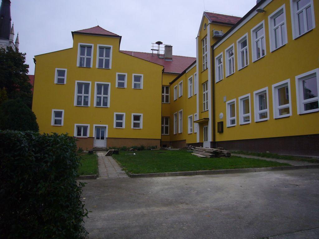 Základní škola Ostrožská Lhota - realizace v roce 2010