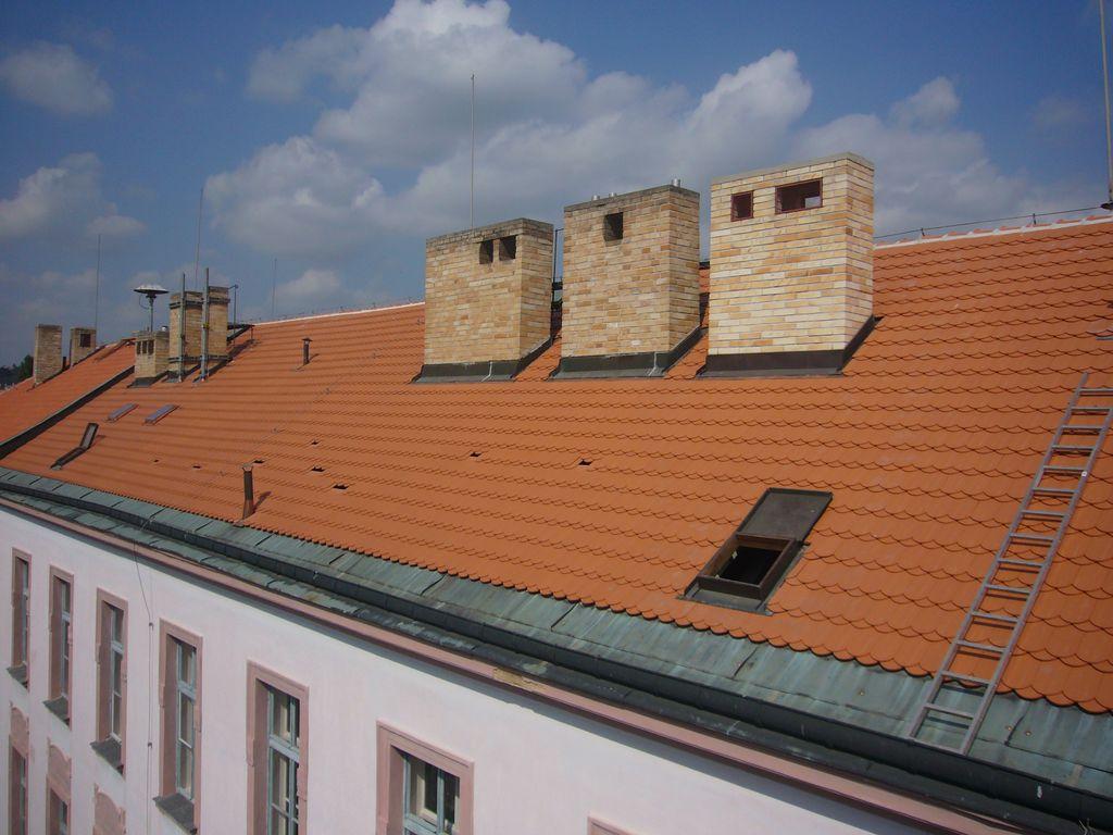 Obchodní akademie Praha - realizace v roce 2009