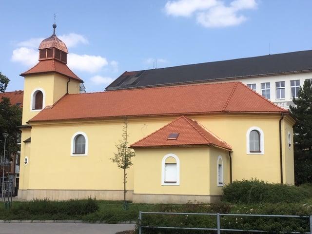 foto - Kostel Sv. Michaela v Otrokovicích už září novotou.
